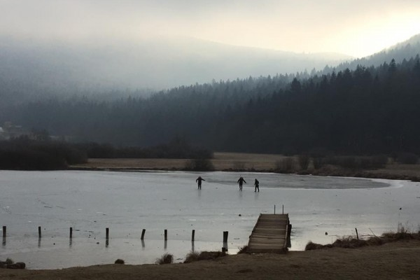 gostilnica-jezero-0229DF0169E-A9F1-65E3-A1D4-7F3C34F986CE.jpg